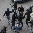 Lazio-Eintracht, scontri a Roma tra tifosi tedeschi e Polizia: saccheggiate varie strade della capitale [VIDEO]