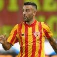 Prima occasione per il Benevento: il tiro a giro di Roberto Insigne si stampa contro il palo