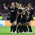 Juventus-Ajax, i lancieri fanno festa nei corridoi dello Stadium dopo la vittoria [VIDEO]
