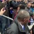 """""""Impara a giocare"""". Neymar choc in Francia: pugno a un tifoso all'uscita dal campo! [VIDEO]"""