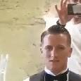 """Matrimonio Zielinski, l'acconciatura di Intemerato: """"Signore e signori vi presento Mr. Piotr"""" [VIDEO]"""