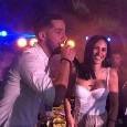Manolas versione cantante. Eccolo mentre si diverte in Grecia ad un evento [VIDEO]