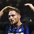 Inter, tappa napoletana per Danilo D'Ambrosio: il difensore beccato in città per mangiare una pizza [FOTO CN24]