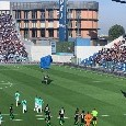 Incredibile al Mapei Stadium: paracadutista invade il campo durante Sassuolo-Inter [FOTO & VIDEO]