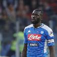 Koulibaly inserito tra i migliori difensori della Serie A, il senegalese pubblica uno scatto su Instagram con il premio [FOTO]