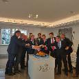 Pranzo UEFA con la delegazione del Salisburgo, con De Laurentiis anche il figlio Edo e Giuntoli [FOTO]