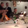 Compleanno Maksimovic, l'azzurro al momento della torta mentre i compagni cantano 'Tanti auguri a te' [VIDEO]