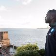 Koulibaly cuore d'oro: vestiti ai clochard di Napoli, 500 euro a Natale per un mendicante al centro commerciale