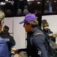 """""""Ti prego, sei la mia vita!"""": Fiorentina in ritiro a Palazzo Caracciolo, tifosi in delirio per Chiesa e Cutrone [VIDEO]"""