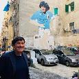 """Gianni Morandi turista a Napoli e omaggio a Maradona: """"Il più grande di tutti"""" [FOTO]"""