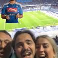 L'esultanza di lady Mertens al goal del marito dalla Tribuna del San Paolo [VIDEO]