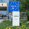 Dalla Slovenia a Napoli in auto: niente controlli e zero sintomi, founder di CN24 opta per l'auto isolamento
