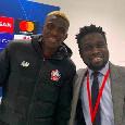 """Osimhen, l'amico-giornalista Akatugba: """"Victor ha firmato con il Napoli: non sta più nella pelle! Da venerdì, ogni giorno può essere quello buono per l'ufficialità"""""""