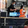 Milik ha lasciato Napoli con un aereo privato: attenderà il suo futuro lontano dalla città [FOTO CN24]