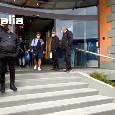 Il Napoli ha appena lasciato l'hotel per dirigersi al San Paolo. Mertens saluta i tifosi presenti [VIDEO]