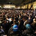 Flash mob a Napoli con shaker, forchette e coltelli: un manifestante fermato [FOTO]