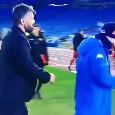 Gattuso <i>prende a calci</i> Politano uscendo dal terreno di gioco dell'Olimpico di Roma [VIDEO]
