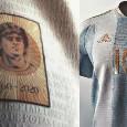 Argentina, la maglia proposta sui social e dedicata a Maradona fa il giro del web! [FOTO]