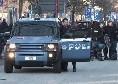 Tensione a Cagliari, assalto all'hotel dei tifosi napoletani: aggressione con mazze e catene
