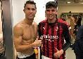 Milan-Juve a luci rosse, nello scatto con Ronaldo negli spogliatoi spunta Chiellini nudo [FOTO]