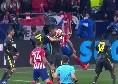 Tocco di mano di Mandzukic in area di rigore, l'arbitro lascia correre tra le proteste dell'Atletico Madrid