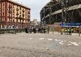 Meno di tre ore a Napoli-Atalanta, si attende l'apertura dei cancelli: l'esterno del San Paolo è ancora deserto [FOTO CN24]