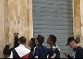 """Napoli, teppisti imbrattano la Galleria Umberto con scritte pro Sarri: """"Uno di noi!"""" [FOTO]"""
