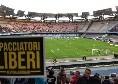 Napoli-Inter, distribuiti in Curva B gli adesivi con la scritta 'Spacciatori liberi' [FOTO]