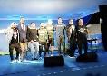 """""""Napoli torna campione!"""", Edo De Laurentiis, Insigne e Gaetano cantano sul palco a Dimaro e la folla impazzisce [VIDEO CN24]"""