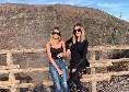 La moglie di Zielinski si gode le bellezze di Napoli: gita sul cratere del Vesuvio [FOTO]