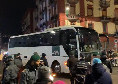 Fiorentina arrivata al San Paolo scortata dalla Polizia [VIDEO CN24]