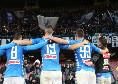 Napoli-Juve, i calciatori a fine partita festeggiano sotto la Curva: immagini da brividi [VIDEO]