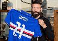 """""""Mi hanno fatto uscire di nascosto dall'aeroporto"""": Tonelli confessa ai tifosi la partenza da Napoli"""