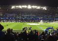 """Tifosi del City scatenati, spuntano striscioni: """"UEFA Mafia"""""""
