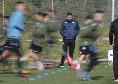 Gazzetta - Riprendono gli allenamenti? Calciatori divisi in due gruppi, tampone ogni 4 giorni ed esami del sangue: le misure per ripartire