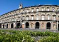 Napoli, a causa del Coronavirus a piazza del Plebiscito cresce l'erba [FOTO]