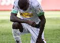 Bundesliga, il bel gesto di Thuram: si inginocchia dopo aver segnato per rendere omaggio a George Floyd [FOTO]