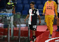 Juventus in emergenza, infortunio Dybala: si allungano ancora i tempi di recupero, l'argentino vola a Barcellona a curarsi