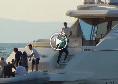 Incontro De Laurentiis-Osimhen a Capri: le immagini della punta mentre lascia l'isola [VIDEO]