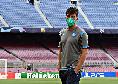 Il Napoli è appena arrivato al Camp Nou, tutti gli azzurri muniti di mascherina [VIDEO & FOTOGALLERY]