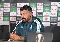"""Gattuso: """"Tutta la verità sulle voci post-Milan. Non basta giocare bene, serve cattiveria! Orgoglioso di allenare questa squadra: rifarei scelta Politano-Mertens"""" [VIDEO]"""