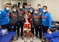 Callejon in posa con lo staff del Napoli negli spogliatoi del Maradona [FOTO]