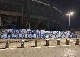 """Striscione allo stadio Maradona: """"Napoli Verona: ancora ad aspettare qualcuno che abbia le palle di parlare"""""""