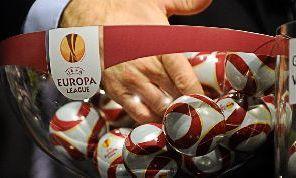 Europa League, Napoli ai sedicesimi di finale. Lunedì il sorteggio: come funziona