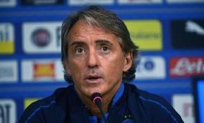Italia, Mancini: Napoli? Ancelotti ha cambiato eppure ottiene risultati! Campionato ancora aperto, ma Juve più forte. Sugli insulti...