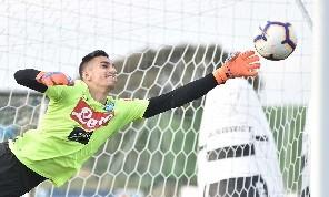 ESCLUSIVA - Meret in fortissimo dubbio per Cagliari, difficile che parta con la squadra. Alllertato il giovane D'Andrea