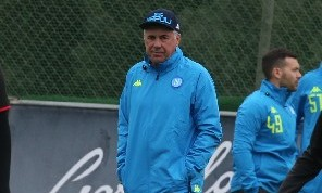 Napoli-Lazio, i convocati di Ancelotti: out Hamsik e Younes, gli azzurri recuperano Albiol e Mertens