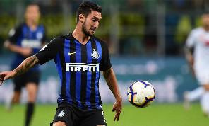 Sportitalia - Politano-Napoli, mancano gli accordi totali ma c'è la disponibilità del calciatore! Per Llorente all'Inter manca il via libera. La Roma vira su Januzaj