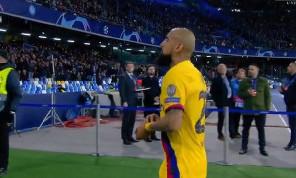 <i>The Sun</i> - Vidal ha urlato 'Forza Juve' all'uscita dal campo: tifosi del Napoli inferociti