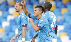 Il migliore! Totalmente recuperato da Gattuso, fa cose che appartenevano a Callejon: Lozano conquista tutti, voti altissimi nelle pagelle